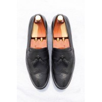 Calfskin loafer shoes with brogue detail